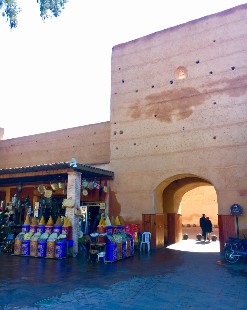 Muralhas e uma das entradas para a Medina