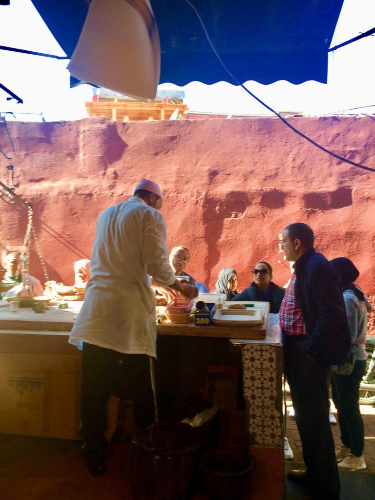 Pequeno restaurante de Slow-roasted lamb