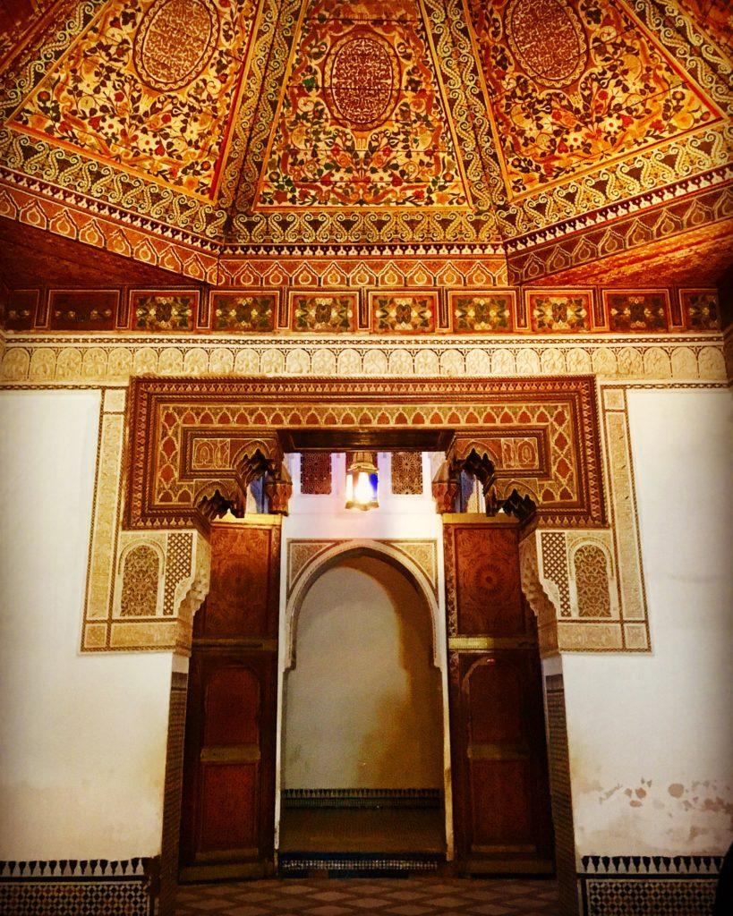 Detalhes de um dos tetos e pórticos do palácio da Bahia