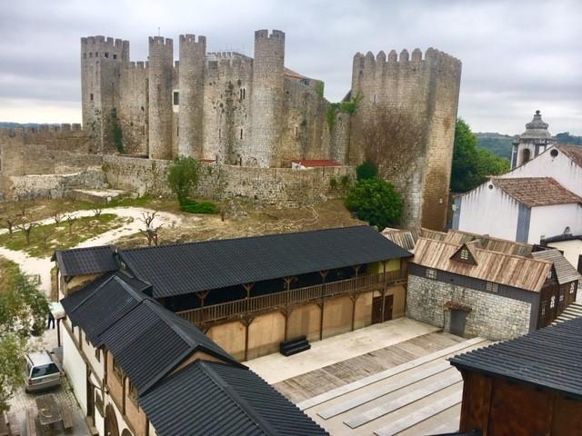 Castelo de Óbidos como presente para as rainhas. Eu quero!